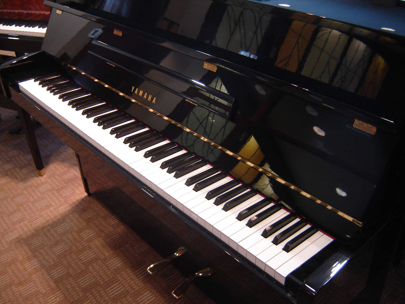 Yamaha upright piano c109 b1 model 3195 built in 2004 for Yamaha music school locations