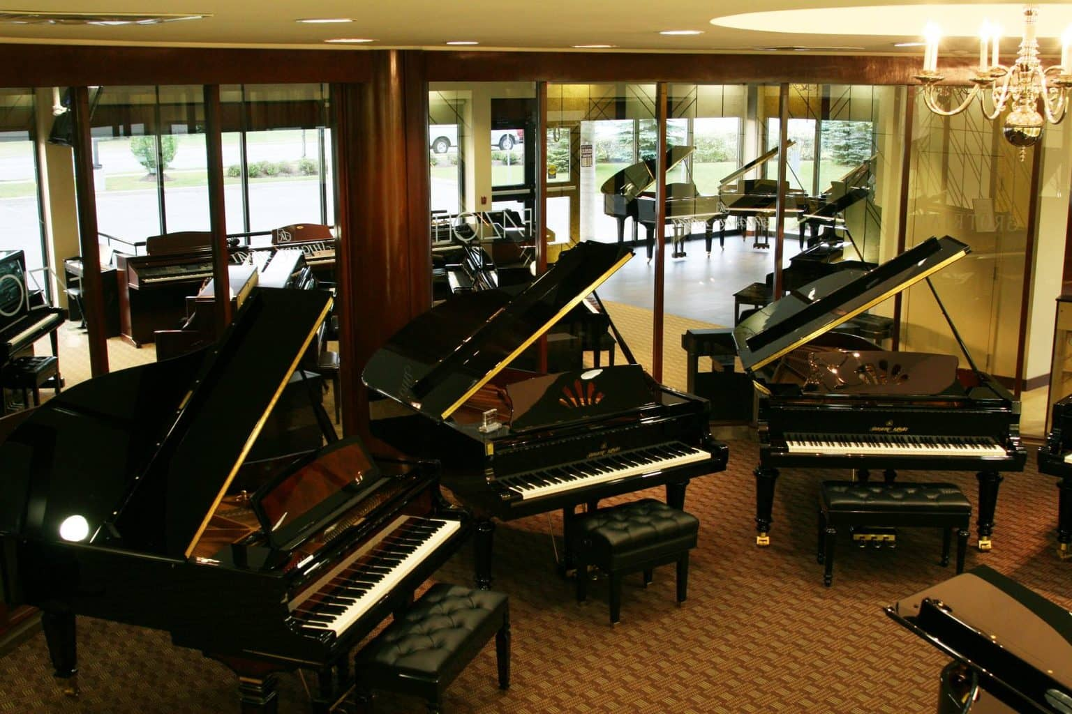 Kinds of Pianos