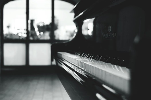 side view of a piano