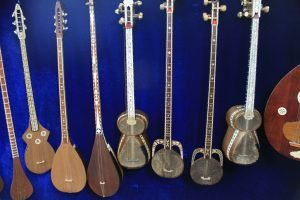 different string instruments from Uzbek