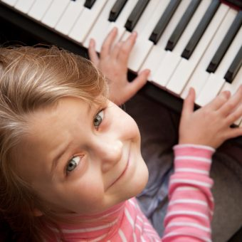 7 Easy Piano Songs to Play